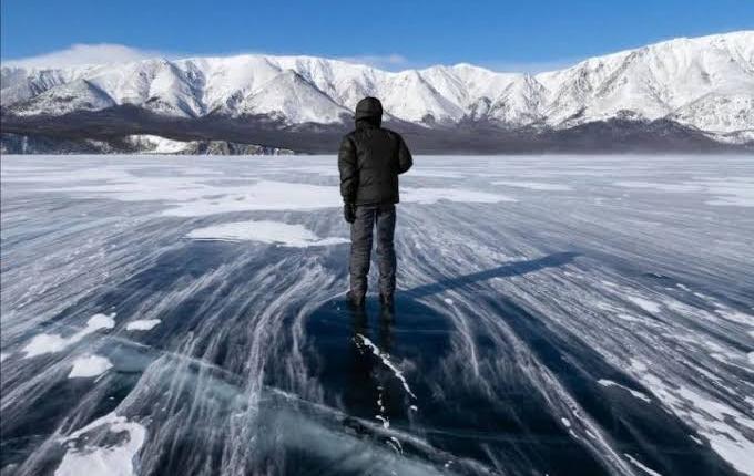 بالصور: تجمد بحيرة نازك ذات المياه العذبة