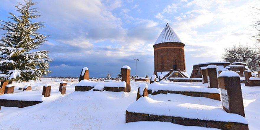 صور مدينة أخلاط الساحرة تحت الثلج