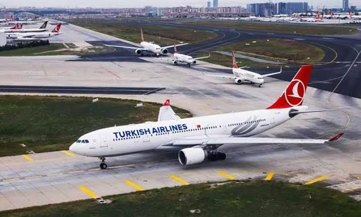 الخطوط التركية توقف كافة رحلاتها الخارجية حتى 20 مايو